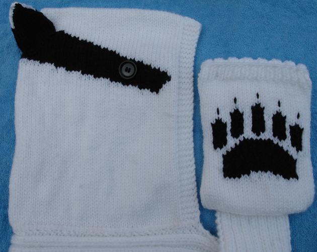 Aran   Badger hooded paw print scarf KnitsRUs