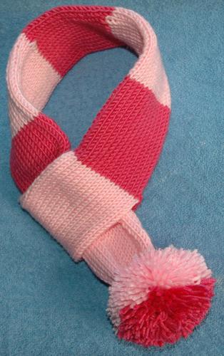 DK   Dog scarf KnitsRUs