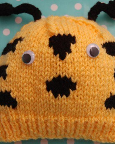 Bee hat knitting pattern