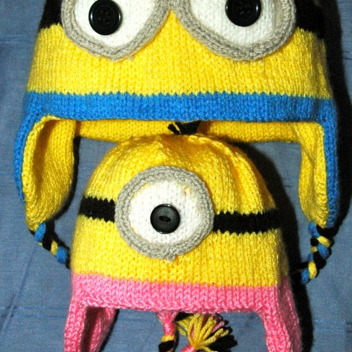 Knitting Patterns Minions : DK   Knitting pattern   Minion Style Hat & Mittens KnitsRUs
