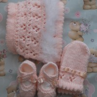 Swansdown Bonnet, Mittens & Shoes Set