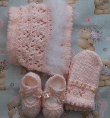 Swansdown Bonnet, Mittens & Shoes Set