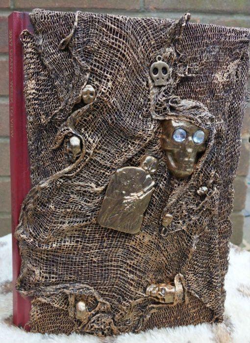 Skull and Gravestone Diary